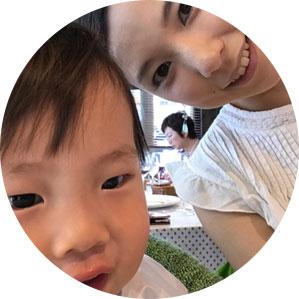 保育園児童とお母さん